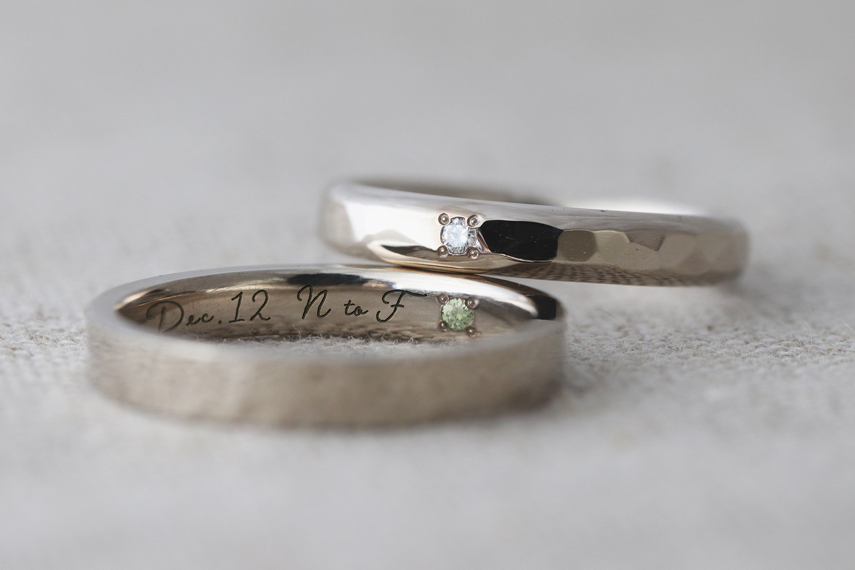 シークレットストーンを入れたさりげないこだわりの結婚指輪