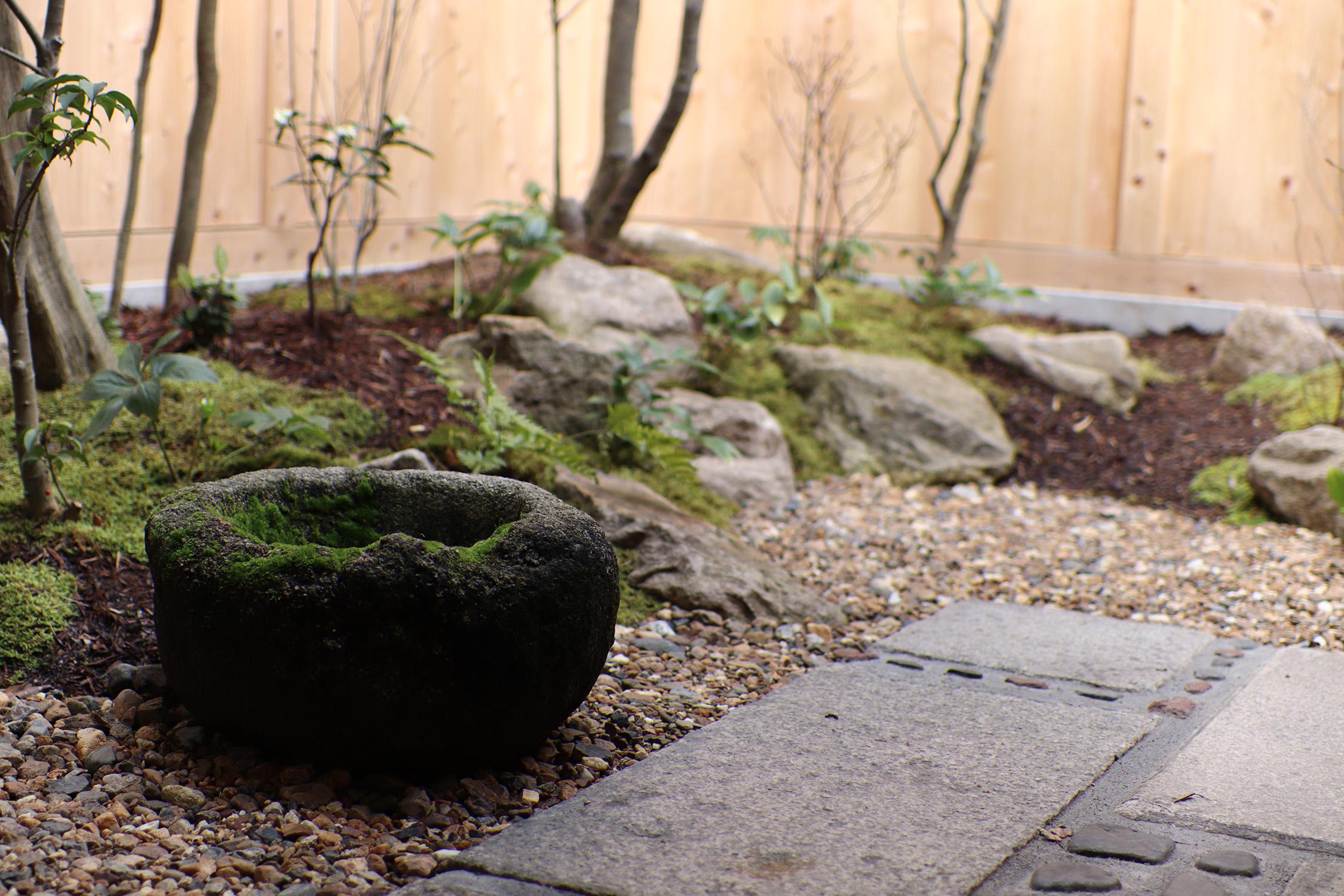 四季を感じられる坪庭