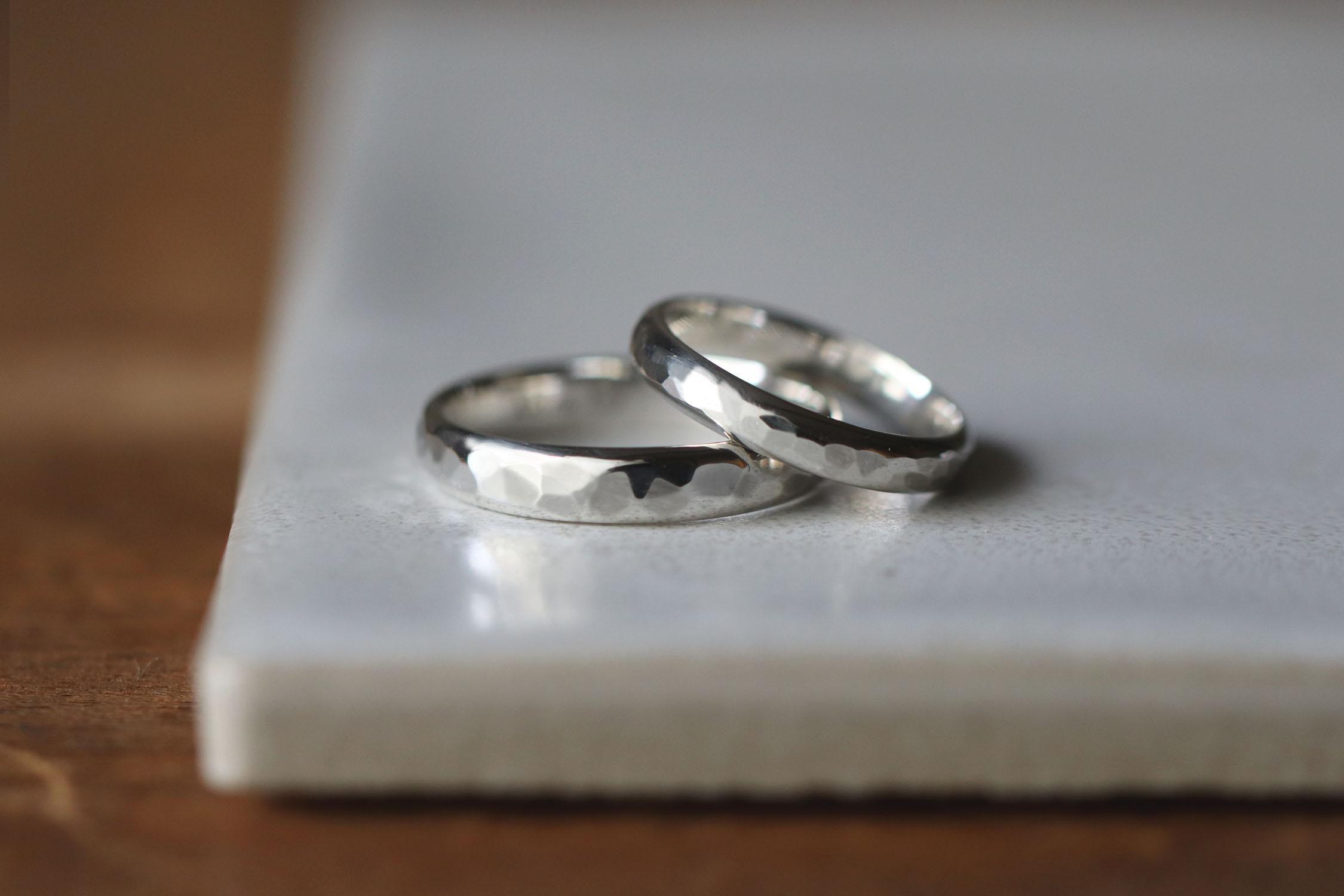手作り結婚指輪で人気のデザインは甲丸鎚目タイプ